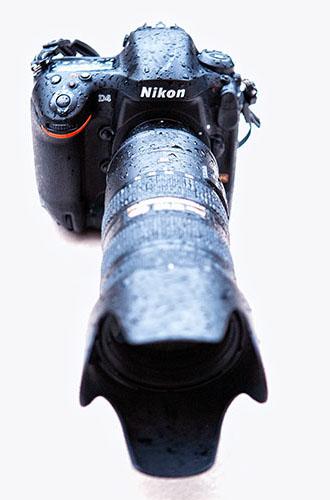 http://cdn.darth.ch/wp-content/uploads/2012/10/nikon-d4-pluie1.jpg