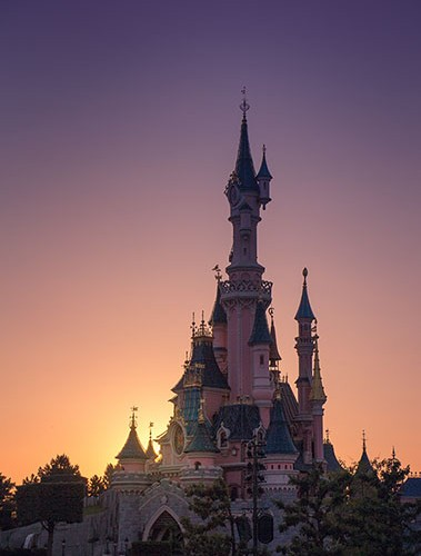 https://blog.darth.ch/wp-content/uploads/2014/09/chateau-belle-au-bois-dormant-disney-2014-550-379x500.jpg